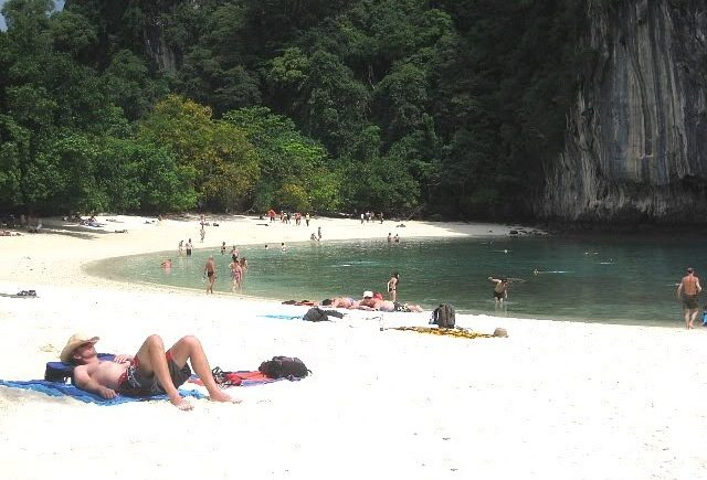 Hong Island tour that we took during Krabi trip