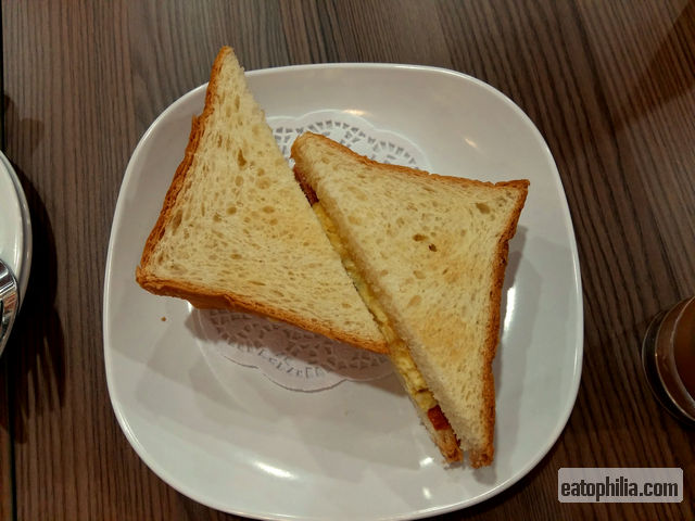 The disappointing Ham & Egg Toast of Honolulu Cafe in Sunway Pyramid, Malaysia